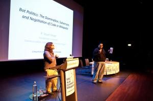 Stuart Geiger und Nishant Shah auf der Wikipedia-Konferenz Critical Point of View in Amsterdam